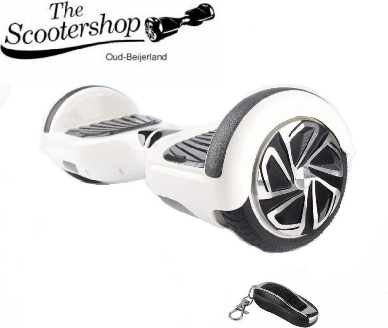 The Scootershop HOVERBOARD, WIT, TAOTAO print, 700W motoren, 20cell SAMSUNG accu, incl LED verlichting en AFSTANDBEDIENING !! 2 JAAR garantie